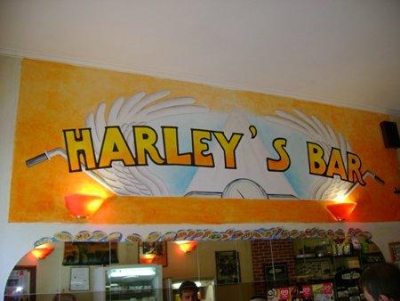 harleys-bar-web